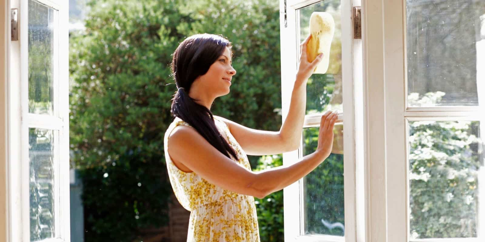 Reasons You Should Invest In A House Cleaning Service Groovy Maid - Bathroom cleaning lady